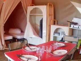 5-tente-lodge-nature,-camping-pres-de-limoges,-camping-nature,-randonnee,-peche,-camping-proche-a20,-camping-frankreich,-camping-frankrij,